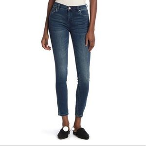 BLANK NYC - The Bond Mid-Rise Skinny (Size 24)
